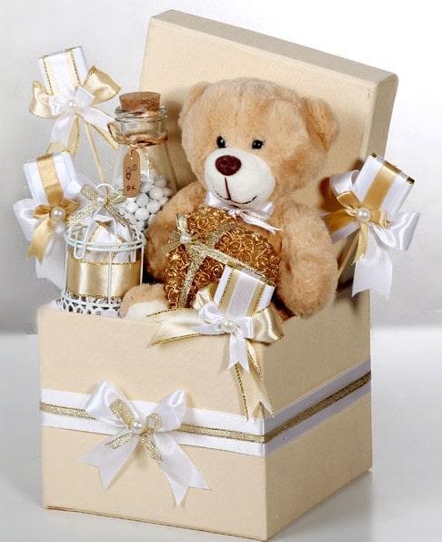 جعبه هدیه همراه با عروسک