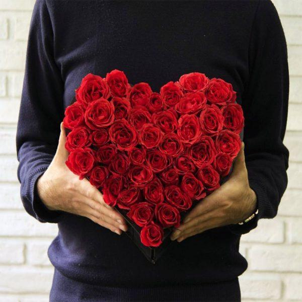باکس گل رز طرح قلب برای ولنتاین