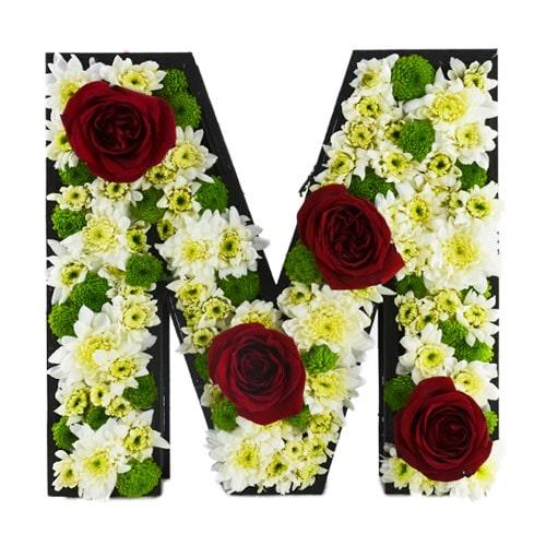باکس زیبا گل با طرح حرف M