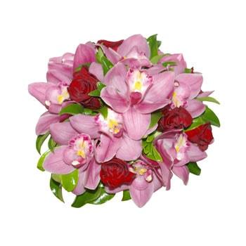 گل عروس با گل های ارکیده سمبیدیوم و رز