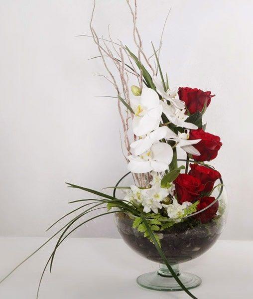 گلدان گل رز زیبا