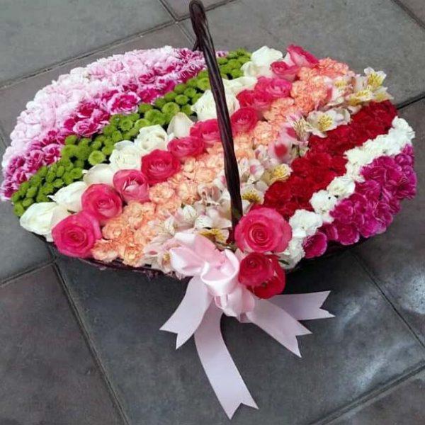 سبد گل رنگارنگ فانتزی
